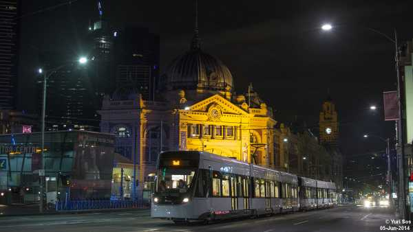 6009 6007 Flinders Street at Swanston